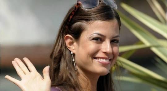 "Sara Tommasi, rivelazioni choc: ""Corona è gay, Belen guidata dalla De Filippi"""