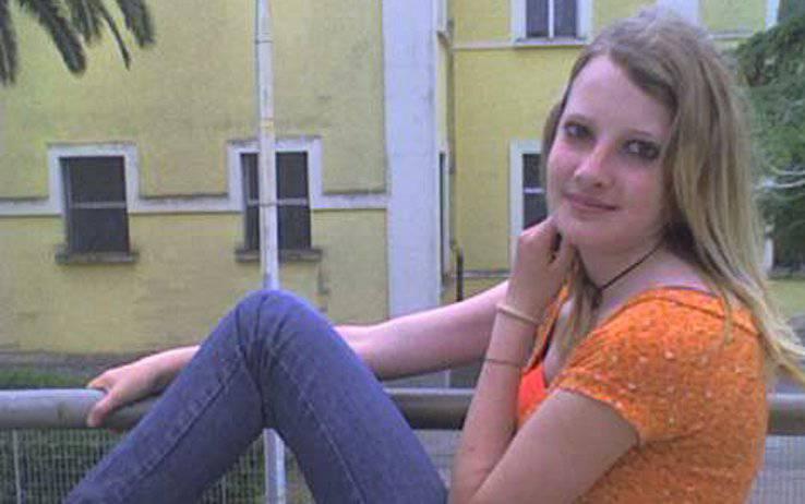 INIZIATE LE ISPEZIONI SUL LUOGO DEL DELITTO DI SARAH SCAZZI / Forze dell'ordine bloccano l'area dell'abitazione dello zio omicida Michele Misseri