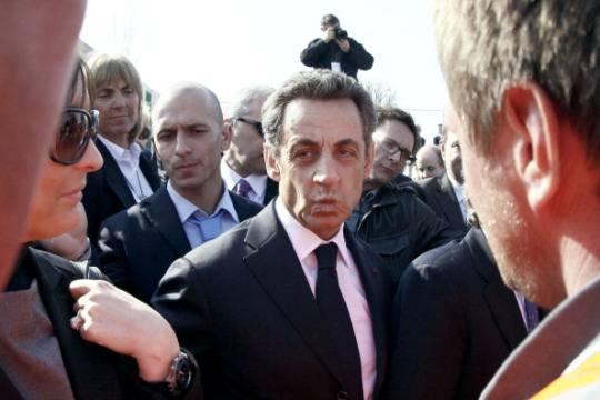 Sarkozy: non ho scelta, sarò costretto a ricandidarmi nel 2017