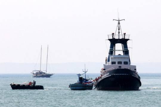 Sbarchi in Sicilia, soccorsi due barconi nella notte: salvi 187 migranti