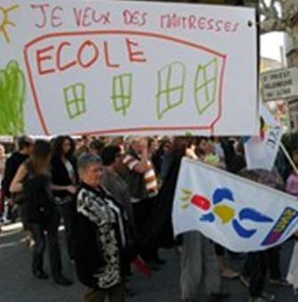 Francia: nel 2011 saranno soppressi 16mila insegnanti. Sindacato annuncia settimana di scioperi