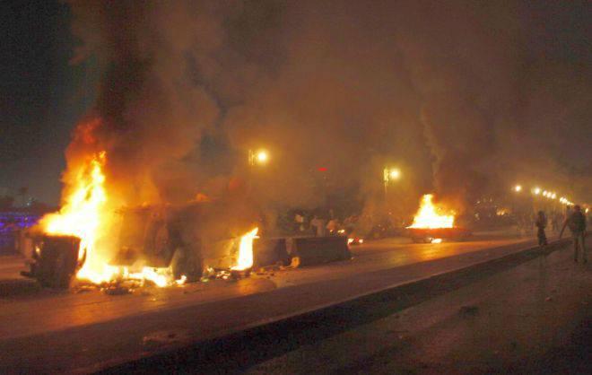Scontri in Egitto: la 'baltageya' provoca i copti, l'esercito spara sui cristiani. 24 morti e 200 feriti