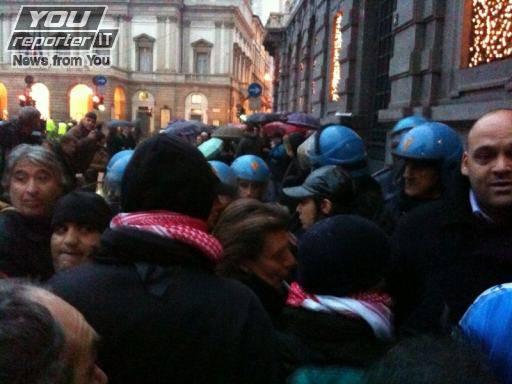 Prima della Scala di Milano: scontri e tensione tra manifestanti e polizia