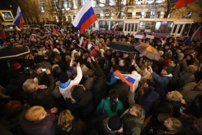 Manifestanti filo russi a Sebastopoli (Getty images)