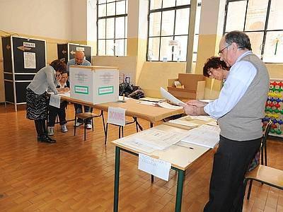 Referendum: oggi seggi aperti fino alle 15. Ieri ha votato oltre il 41% degli aventi diritto