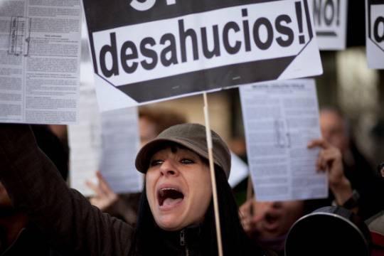Spagna: si butta dalla finestra dopo la notifica di sfratto