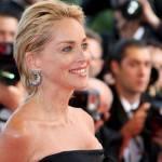 Milano: Sharon Stone si sente male alla sfilata di Fendi