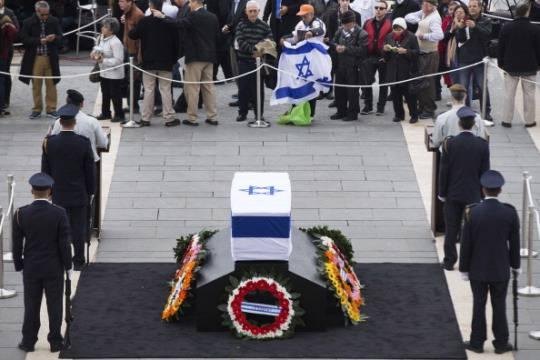 Ultimo addio a Sharon: l'ex premier israeliano è stato sepolto