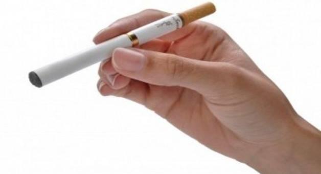 """Istituto superiore di sanità boccia le sigarette elettroniche: """"Riattivano il vizio"""""""