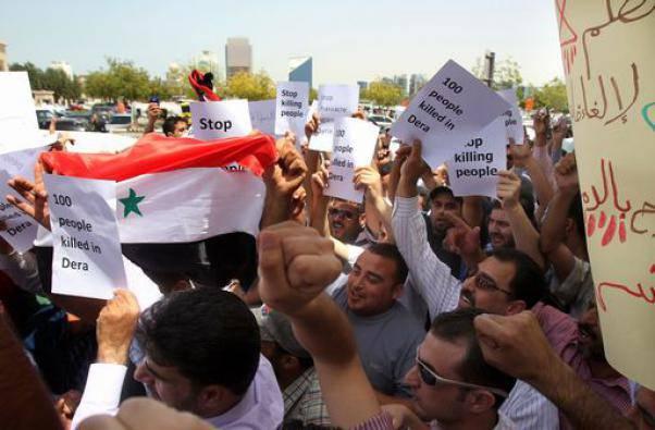 Siria: la polizia spara sulla folla a Banias, almeno tre i morti