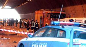 Soccorsi dopo un incidente stradale (Getty Images)