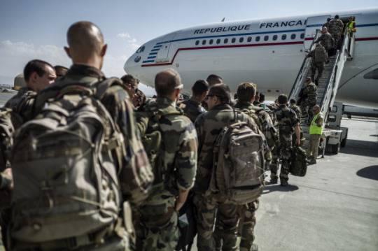 Francia: le truppe da combattimento lasciano l'Afghanistan