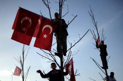 Sostenitori del premier turco Erdogan (Getty images)