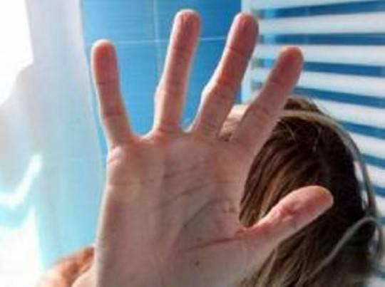 Perseguita ex moglie: condannato a mantenere distanza di sicurezza di 200 metri