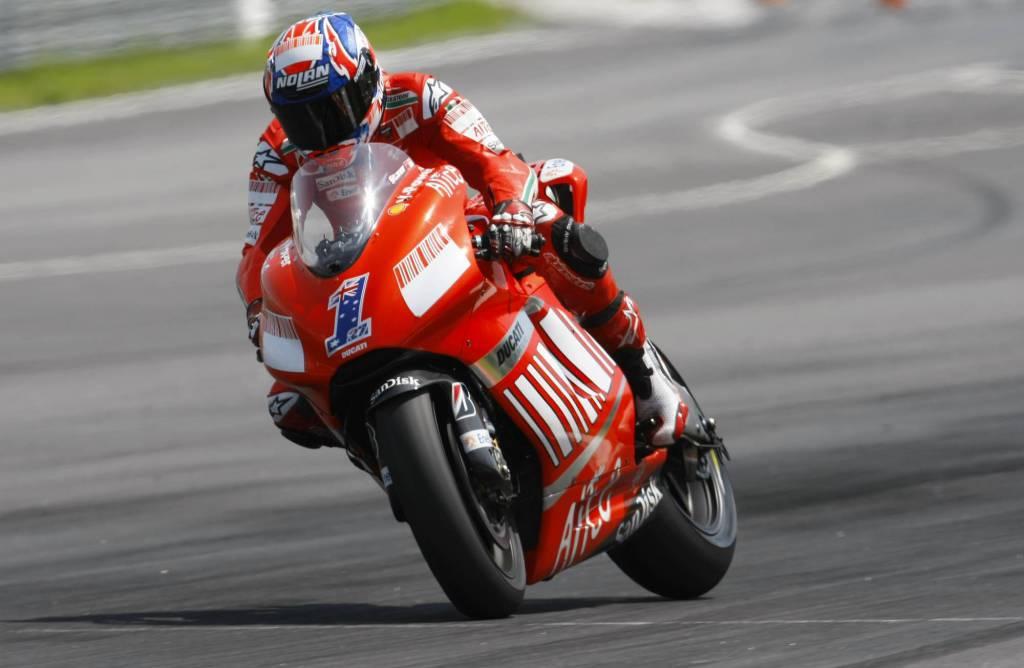 Motogp 2011 Qatar: Stoner imprendibile per tutti, anche per Valentino Rossi