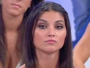 ANTICIPAZIONI UOMINI E DONNE ANDREA ANGELINI / Teresa Langella dopo essere stata eliminata da Leonardo Greco torna in studio per il giovane bolognese