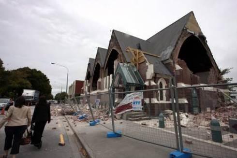 Violento terremoto in Nuova Zelanda: a Christchurch edifici rasi al suolo e linee elettriche in tilt, oltre 65 morti