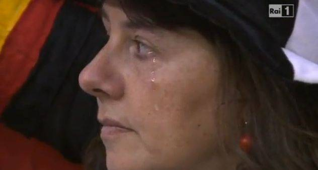 Germania-Italia agli Europei di calcio: le lacrime della tifosa tedesca una 'bufala'