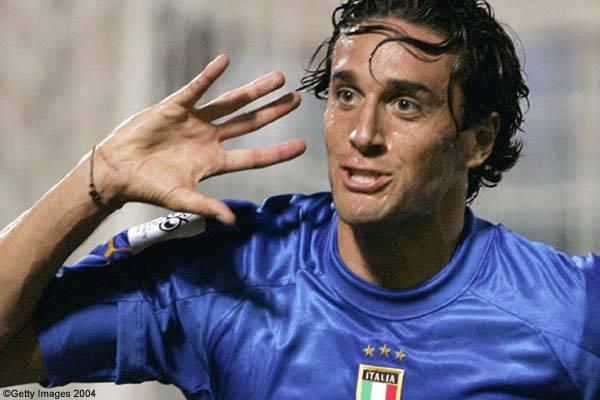 Ufficiale: la Juventus acquista Toni a titolo definitivo