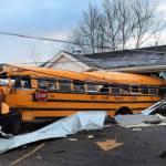 Stati Uniti: decine di tornado devastano Indiana, Kentucky e Ohio