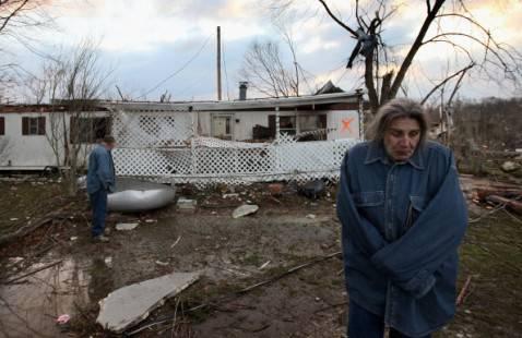 tornado indiana5 478x310 Devastazioni dei tornado negli Stati Uniti, la fotogallery