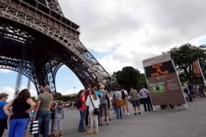 La Tour Eiffel evacuata (MIGUEL MEDINA/AFP/Getty Images)