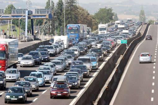 FERRAGOSTO / Rientro, traffico sotto la pioggia al nord