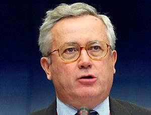 """Manovra economica, Tremonti al Senato: """"Il paese ci guarda"""""""