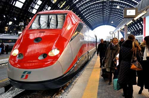 Avellino: un Eurostar investe una donna