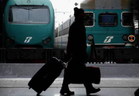 Treni alla stazione (ANDREAS SOLARO/AFP/Getty Images) )