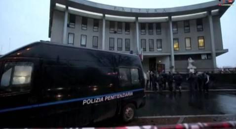 Tribunale di Busto Arsizio. luogo evasione di Domenico Cutrì (screen shot youtube)
