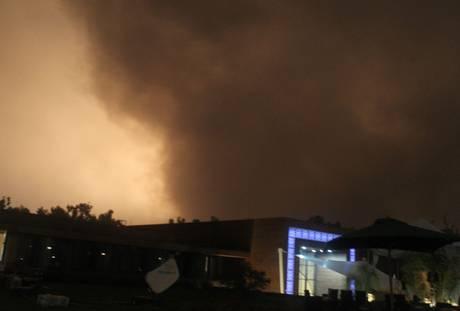 Guerra in Libia: bombardata nella notte residenza di Gheddafi