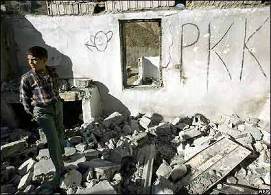 La Turchia ancora nel mirino dei terroristi del Pkk: attentato kamikaze a Bingol, due i morti