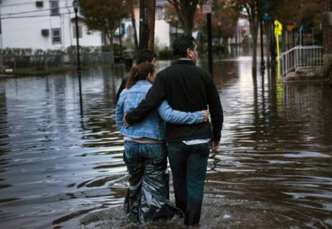 Conseguenze dell'uragano Sandy (BRENDAN SMIALOWSKI/AFP/Getty Images)