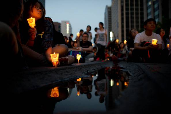 Tragedia traghetto Corea del Sud: la presidente si assume la responsabilità
