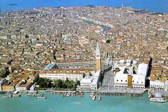 PORTI VENEZIA / Progetto crocevia per Oriente, studio porto d'altura di un costo di 1,315 miliardi. Matteoli: operativo entro 5 anni