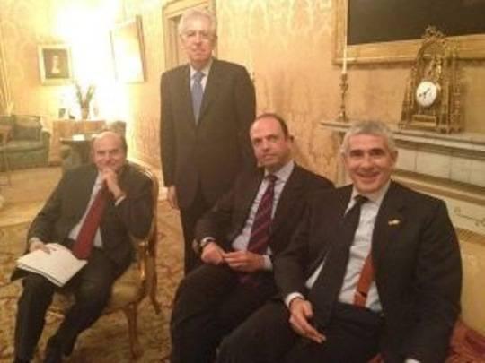 Vertice Palazzo Chigi: Mario Monti trova l'intesa su giustizia e lavoro, fumata nera sulla Rai