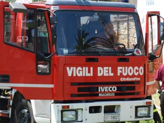 Salerno: esplosione in officina provoca un morto e tre feriti