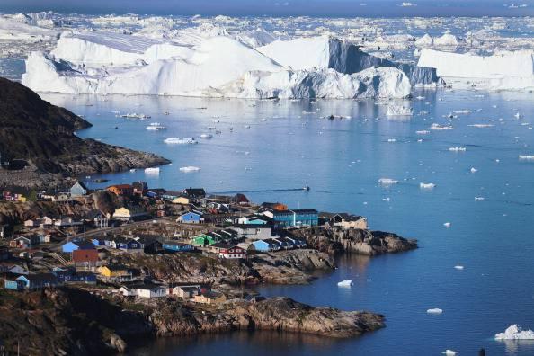 Groenlandia, riscaldamento globale: ghiacciaio Jakobshavn scivola 46 metri al giorno nel mare
