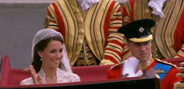 William e Kate: gli sposini di nuovo a casa